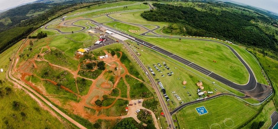 Imagens do Autódromo Velo Città 1