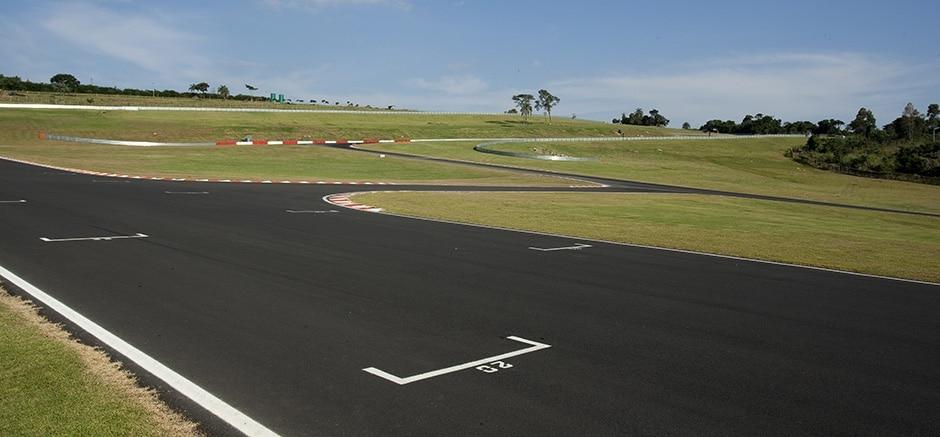 Imagens do Autódromo Velo Città 8